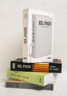 """«Esta sí es la """"biblia"""" del #periodismo»: Álex Grijelmo cuenta la historia del Libro de Estilo de El País. http://aniversario.elpais.com/alex-grijelmo/"""