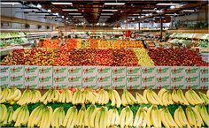 andreas gursky Google Image Result for http://graphics8.nytimes.com/images/2009/10/11/magazine/11wwln-600.jpg