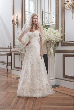 Gorgeous lace gown from Justin Alexander's 2016 collection