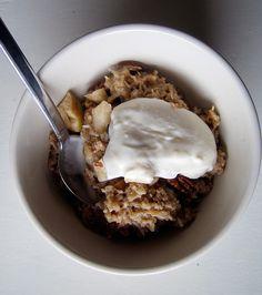 apple baked oatmeal (aka best oatmeal ever) | everybody likes sandwiches