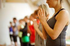 What is the best type of yoga for beginners? An overview of the basic types of yoga; how to choose the best yoga method. Yoga poses for each type of yoga. Yoga Beginners, Beginner Yoga, Bikram Yoga, Kundalini Yoga, Vinyasa Yoga, Ashtanga Yoga, Pranayama, 30 Day Yoga Challenge, Detox Challenge