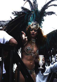 Carribean Carnival Costumes, Trinidad Carnival, Caribbean Carnival, Rihanna Looks, Rihanna Riri, Rihanna Style, Rihanna Carnival, Carnival Girl, Carnival Fashion