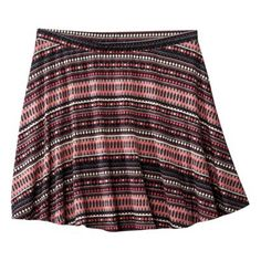 Because they curve downward, these zingy stripes work to whittle a bigger bottom half. Flippy Skirts, Mini Skirts, Night Outfits, Cute Outfits, Date Night Fashion, Spring Skirts, Target Style, Stripe Skirt, Skirt Fashion