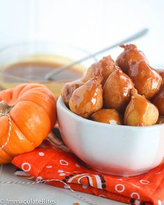 Pampoenkoekies- These South African pumpkin fritters are light , fluffy and literally melts in your mouth. Drizzled with caramel sauce . South African Dishes, South African Recipes, Ethnic Recipes, Salted Caramel Fudge, Salted Caramels, Pumpkin Fritters, African Dessert, Ripe Plantain, Dessert Dishes