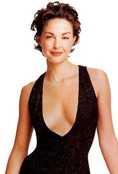 Ashley Judd https://www.etsy.com/listing/80665850/aries-zodiac-mug-astrology-personalized?ref=related-5