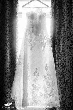 Hochzeit Schloss Mittersill – Nayli & Martin - Foto Sulzer Blog One Shoulder Wedding Dress, White Dress, Wedding Dresses, Blog, Fashion, Environment, Pictures, Engagement, Bride Dresses
