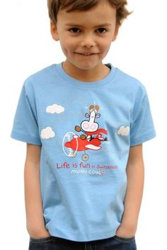 """T-Shirt Mumucow """"Life is fun"""", blau Every child needs a t-shirt with high quality. The imprint with the cow is a popular motive for our littles. You find more childer clothes in our shop. Sport, Life Is Good, Cow, Baby Kids, Popular, Children, Shopping, Clothes, Fashion"""