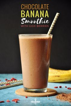 chocolate banana smoothie features goji berries and it's packed with protein, vitamins, fiber, calcium, and deliciousness. Healthy Gluten Free Recipes, Healthy Food Options, Vegetarian Recipes Easy, Delicious Recipes, Goji Berry Recipes, Chocolate Banana Smoothie, Benefits Of Organic Food, Healthy Afternoon Snacks, Food Insecurity