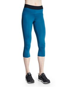 Studio Capri Sport Leggings, Size: X-SMALL, Teal & Black - Heroine Sport