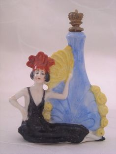 ART DECO SITZENDORF FLAPPER LADY WITH LARGE URN CROWN TOP PERFUME / SCENT BOTTLE