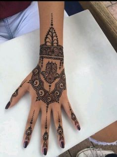 Amazing Advice For Getting Rid Of Cellulite and Henna Tattoo… – Henna Tattoos Mehendi Mehndi Design Ideas and Tips Henna Tattoos, 16 Tattoo, Henna Tattoo Hand, Henna Body Art, Shape Tattoo, Henna Tattoo Designs, Henna Art, Body Art Tattoos, Mom Tattoos
