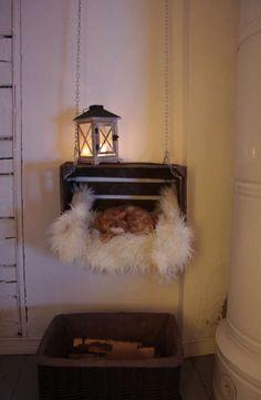 Maalaisromanttinen olohuone, Ronja, 54903f61498ee5d7a6f8b679 - Etuovi.com Sisustus Cozy Place, Ladder Decor, Diy Projects, Scandinavian, Homes, Cat, Home Decor, Houses, Decoration Home