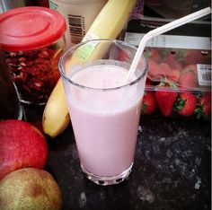 Nik 'n' Mix: Strawberry Quinoa Protein Shake