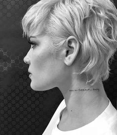 "H's new neck tattoo ""I'm a loser baby"" ❤️ #halsey #celebrities #tattoo #tattoodesign"