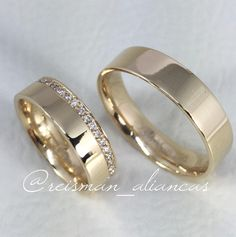Were going for gold wedding bands Cool Wedding Rings, Wedding Ring Bands, Gold Wedding, Wedding Stuff, Gold Ring Designs, Couple Rings, Gold Engagement Rings, Diamond Bands, Band Rings