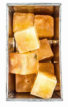 Cinnamon Cardamom Ice Cubes | Via: Artful Desperado