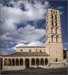 Es mi tierra — San Esteban Church, Segovia, Castile and León,. Romanesque Art, Romanesque Architecture, Church Architecture, Historical Architecture, Architecture Romane, Architecture Religieuse, Art Roman, Kirchen, Romans