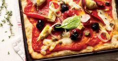 Pizza de casa- Mancare indragita de toata lumea, pizza este un deliciu mediteranean de care ne bucuram des. Insa, nu de multe ori se intampla sa preparam o pizza acasa. Incearca o reteta cu ingrediente speciale si pregateste-te sa primesti complimente culinare. Vegetable Pizza, Vegetables, Food, Home, Veggie Food, Vegetable Recipes, Meals, Vegetarian Pizza, Veggies