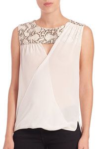 Top wrap asymmetric yoke