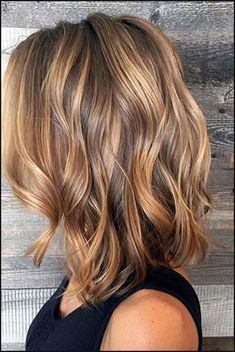 Hairstyles diy and tutorial for all hair lengths 066 hair st Fall Hair Colors, Brown Hair Colors, Autumnal Hair Colour, Medium Lenth Hair, Medium Hair Styles, Curly Hair Styles, Fall Hair Cuts, Hair For Fall, Fall Hair Trends