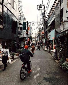 Hay fotografías que te hacen viajar a un lugar en concreto. @angeloitsme a través de su objetivo consiguió captar la esencia de #Japón y transportarnos hasta allí. Cámara #EOS 5D Mark II  objetivo EF-50 mm f/1.2L USM. #liveforthestory #Tokyo #wonderlust via Canon on Instagram - #photographer #photography #photo #instapic #instagram #photofreak #photolover #nikon #canon #leica #hasselblad #polaroid #shutterbug #camera #dslr #visualarts #inspiration #artistic #creative #creativity