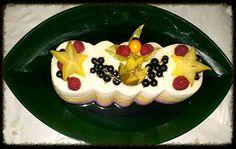 Entremet litchi-mangue-fruits rouges