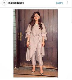 Order contact my WhatsApp number 7874133176 Nikkah Dress, Pakistani Dresses, Indian Dresses, Indian Outfits, Kurti Designs Party Wear, Kurta Designs, Stylish Dresses, Fashion Dresses, Indian Designer Suits