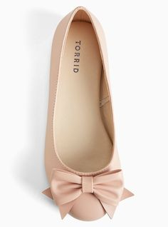 Discover recipes, home ideas, style inspiration and other ideas to try. Fancy Shoes, Bow Shoes, Flat Shoes, Bow Flats, Cute Flats, Cute Shoes, Bridesmaid Shoes Flat, Pink Flats, Looks Chic