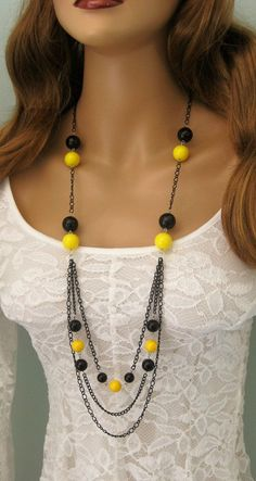 Lungo nero perline collana collana gialla e di RalstonOriginals #Jewelryideas
