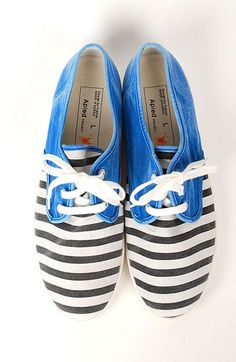 Black white stripe and blue color block Lace up sneakers