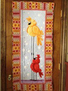 Karen's Quilts, Crows and Cardinals: FMQ - Red Bird and Another Giraffe!