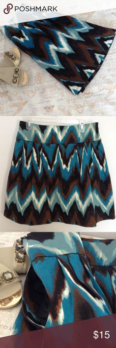 Worthington Circle Skirt 10 Fully lined and with Pockets, side invisible zipper, 97% cotton. Brown, black and blue. Like new!! Worthington Skirts Midi