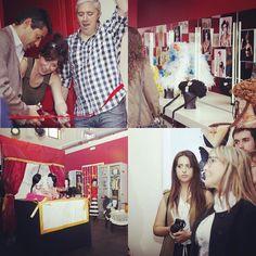 Exposición de nuestros alumnos del curso de Técnico Superior de Caracterización y Maquillaje Profesional en la #EscuelaCES  Además hemos tenido la visita de la instagramer valenciana @sarahbellver Infórmate en nuestra web de toda la formación académica que tenemos en @ces_escuela  #Audiovisual #Periodismo #Profesional #TítulosSuperiores #Master #Maquillaje #Producción y muuucho más