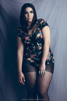 Photo by rafyclem Girl With Curves, Plus Size Model, Big And Beautiful, Fashion Photography, Curvy, Cute Outfits, Bodycon Dress, Sporty, Portrait