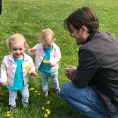Just a whole bunch of cuteness on set today! Amy And Ty Heartland, Watch Heartland, Heartland Seasons, Heartland Quotes, Heartland Ranch, Heartland Tv Show, Best Tv Shows, Best Shows Ever, Favorite Tv Shows