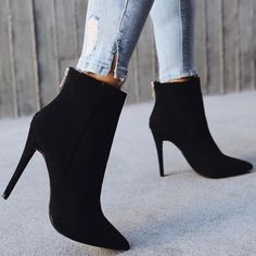 It should immediately be decided that the upper part of women's shoes is considered an ankle boot. Unstable autumn weather is the best option for this offseason. Fancy Shoes, Cute Shoes, Stilettos, High Heels, Bodysuit And Jeans, Dress With Boots, Short Boots, Womens Shoes Wedges, Comfortable Shoes