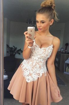 A-Line Spaghetti Straps Short Champagne Chiffon Homecoming Dress with Appliques
