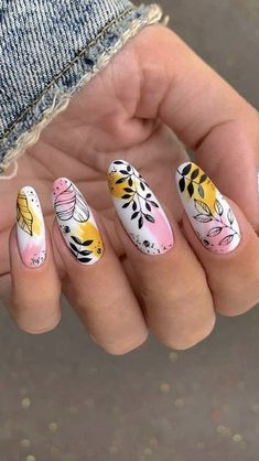 Abstract Spring Nails: An immersive guide by Triple N Salon - Nailart Tutorials, Nail Designs + Inspiration Edgy Nails, Grunge Nails, Funky Nails, Classy Nails, Stylish Nails, Trendy Nails, Halloween Acrylic Nails, Summer Acrylic Nails, Best Acrylic Nails