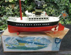 Arnold clockwork ocean liner boat US Zone Germany c1950 box key mast flag works Electric Boat, Motor Works, Pond, Giraffe, Boats, Antiques, Ebay, Antiquities, Water Pond