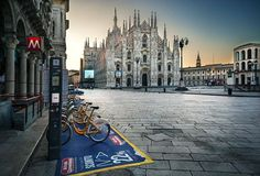See the Duomo in #Milan with our tour. Plan your #vacation with us #thisismilan #milanodavedere www.thisismilan.info Milano da Vedere