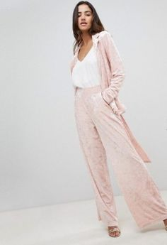 93198c0fa844 10 Suits For Women That Will Make You Feel Like A Girl Boss At Your Next  Interview