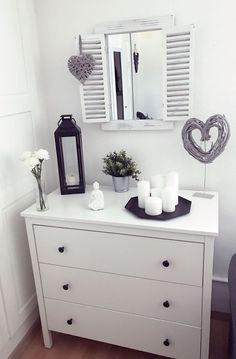 Decorate dresser- Kommode dekorieren Chest of drawers decorate Chest of drawers decorate The post dresser decor appeared first on apartment ideas. Decor Room, Living Room Decor, Living Spaces, Bedroom Decor, Home Decor, Kids Bedroom, Bedroom Ideas, Interior Decorating, Interior Design