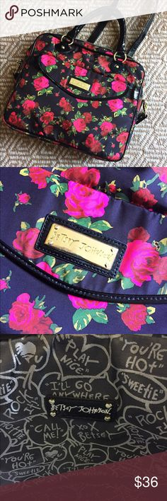 """Betsey Johnson Laptop Bag Brand new laptop bag measures 14.5x12"""". Fun Floral pattern and classic Betsey details and prints. Brand new and in pristine condition Betsey Johnson Bags Laptop Bags"""