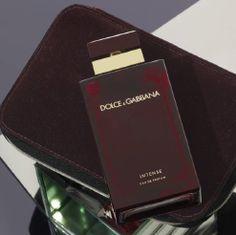 Dolce & Gabbana Pour Femme, an oriental floral that ignites the senses