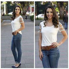 Look com jeans nada básico!!  Sempre curinga a calça jeans é peça ne essaria no armário! Para compor um look com essa peça a camiseta branca é sempre a melhor pedida!! Como a Farfalle ama incrementar nada melhor do que detalhes vazados na manga e um pouco de brilho!!  TEMOS NO SITE!!! http://ift.tt/1MaQFiV  #jeans #lookdodia #detalhes #vemprafarfalle #farfalleloja by farfalleloja