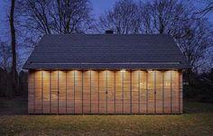 Het Tuinhuis, de recreatiewoning in het buitengebied van Utrecht, is tot stand gekomen door een bijzondere samenwerking tussen Zecc en interieurarchitect Roel van Norel. Het basisconcept is gedaan door Zecc, waarna Roel van Norel het plan in detail heeft uitgewerkt en bovendien grotendeels zelf heeft gebouwd.
