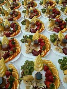 Delicious Desserts, Dessert Recipes, Algerian Recipes, Fruit Appetizers, Vegetable Carving, Fruit Decorations, Food Platters, Cake Decorating Techniques, Turkish Recipes