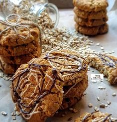 Crunchie Recipes, Eid Biscuits, Kinds Of Cookies, South African Recipes, Golden Syrup, Mixed Nuts, Food Categories, Pastry Recipes, Biscuit Recipe