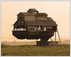 Strange and Weird Houses images and pictures | Strange House (1)