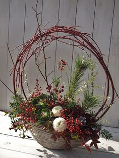 Christmas Flower Arrangements, Holiday Centerpieces, Christmas Flowers, Beautiful Flower Arrangements, Floral Arrangements, Christmas Decorations, Deco Floral, Arte Floral, Chinese New Year Flower